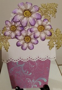 Heartfelt Creations Delightful Daisies Decorative Flower Pot